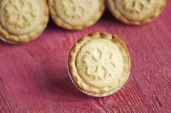 Festive shortcrust pastry mince pies. A sweet mince pie, a tradi Stock Photos