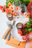 Festive table setting with roses Royalty Free Stock Photography