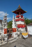 Festively dekorerad hinduisk tempel, Nusa Penida Toyopakeh, prov _ Indonesien Royaltyfria Foton