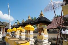 Festively dekorerad hinduisk tempel, Nusa Penida Toyopakeh, prov _ Indonesien Fotografering för Bildbyråer
