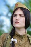 Festiwal militarna historia Rosja wiek XX Togliatti, Lipiec 8, 2017 Dziewczyna żołnierze Rosyjski wojsko Fotografia Stock