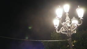 Festiwal w Toledo, Hiszpania, zakończenie up latarnia uliczna przy nocą zdjęcie wideo