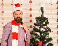 Festiwale i partyjny pojęcie Święty Mikołaj z ufną twarzą zdjęcie stock