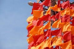 Festliche Flaggen der roten und orange Farbe Lizenzfreies Stockbild
