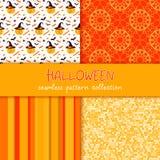 Festliche nahtlose Modellserie Satz von Vektor Halloween-Illustration Streifen, Kreise, Gekritzelbeschaffenheit, Feiertagssymbole Stockbild