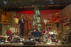 Festliche schaufensterdekoration im kaufhaus f r weihnachten stock fotos melden sie sich - Schaufensterdekoration weihnachten ...