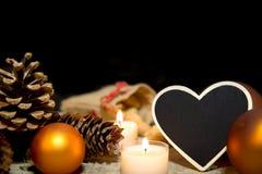 Festliche Weihnachtsdekoration in Orange und in weißem Lizenzfreies Stockfoto