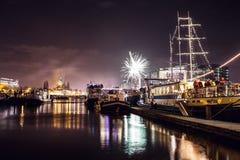Festlicher Gruß von Feuerwerken auf der Nacht des neuen Jahres Am 1. Januar 2016 in Amsterdam - Netherland Stockfotografie