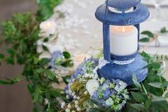 Festlicher Tischschmuck in Form eines Leuchtturmes Lizenzfreies Stockbild