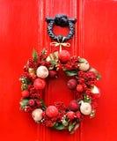 Festlicher Weihnachtskranz Stockfotos