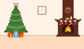 Festliches Design des Raumes Ziegelsteinkamin, Weihnachtskranz, Milch und Plätzchen für Sankt, festlicher verzierter Baum und Ges Stockbilder