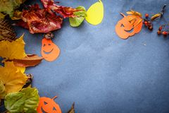 Festliches Stillleben Halloweens stockfotos