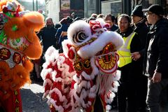Festlichkeiten, zum des Chinesischen Neujahrsfests in London für Jahr von zu feiern lizenzfreie stockfotos
