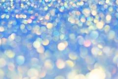 Festlig bakgrund med naturlig bokeh och ljusa guld- ljus Magisk bakgrund med färgrik bokeh Royaltyfri Foto