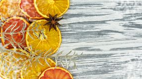 Festlig bakgrund med söta skivor av orange skivor Arkivfoton