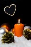 Festlig julgarnering i apelsin Arkivfoton