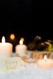 Festlig julgarnering i vit Arkivfoto