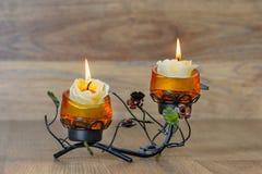 Festlig ljusstake med två stearinljus Royaltyfria Bilder