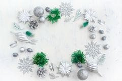 Festlig ordning för jul av dekorativa beståndsdelar Royaltyfria Foton