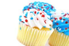 festlig röd white för blåa muffiner Royaltyfria Bilder