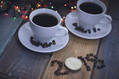 Festlig stilleben med två kaffekoppar Arkivbild