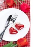 Festlig tabellinställning för valentin dag med blommor, bästa sikt Royaltyfri Bild