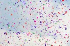 festliga färgrika konfettiar Arkivbild
