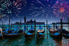 Festliga fyrverkerier. Stor kanal. Venedig royaltyfri bild