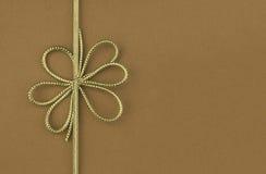 festligt enkelt guldband för bow Royaltyfria Foton