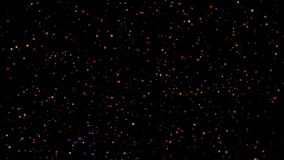 Festligt falla för konfettier Runda konfettier isolerade på en svart bakgrund som ner slätt och långsamt faller Violetta vers 16 lager videofilmer