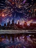 Festligt fyrverkeri över Angkor Wat, Siem Reap, Cambodja Royaltyfria Foton