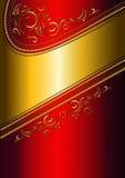 Festligt rött kort med den guld- gränsen och den guld- modellen. Royaltyfria Bilder