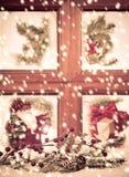 festligt säsongsbetonat fönster Arkivbild