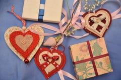 Festmåltidst-valentin gåva för förälskelse för passion för hjärta för festlighet för vänner för dag röd royaltyfri bild