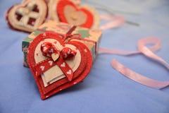 Festmåltidst-valentin gåva för förälskelse för passion för hjärta för festlighet för vänner för dag röd fotografering för bildbyråer