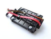 Festplatte SATAs, Festplattenlaufwerk mit Klammer und Kabel Stockfotografie