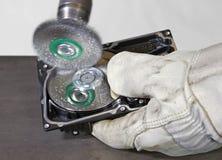 Festplattenlaufwerk der Energiestahlbürstenreinigung lizenzfreies stockfoto