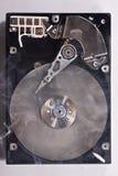 Festplattenlaufwerk mit Rauche stockfoto