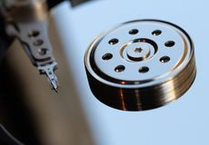 Festplattenlaufwerk - Servierplatte und Kopf lizenzfreie stockbilder
