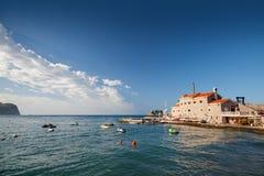 Festung Castello auf adriatischer Seeküste Stockbilder