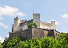 Festung Hohensalzburg i Salzburg royaltyfria bilder