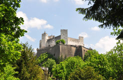 Festung Hohensalzburg i Salzburg arkivbilder