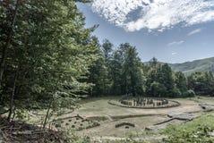 Festung Sarmizegetusa Regia im Sommer lizenzfreie stockfotografie