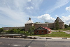 Festung in Staraya Ladoga lizenzfreie stockbilder
