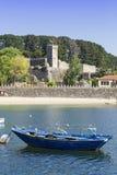 Festung und Strand in Bayonne Pontevedra Galizien stockfotografie