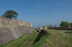 Festung Wände und Zindan versehen Kapija-Komplex, Kalemegdan-Fort mit einem Gatter stockbild