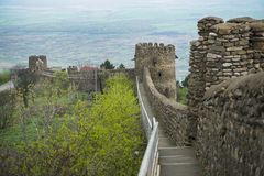 Festungswand des Schlosses Signagi Sighnaghi groß Lizenzfreies Stockfoto