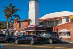Festzelt der jetzt geschlossenen Laguna-Südküsten-Kinos lizenzfreies stockbild