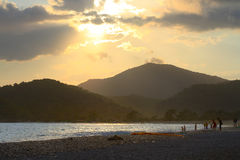 Fethiye, spiaggia di Oludeniz sul tramonto in Turchia Immagine Stock Libera da Diritti