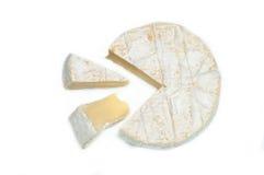 Fetta del formaggio del camembert sparata su fondo bianco Fotografia Stock Libera da Diritti